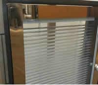 不锈钢隔断系列:4CM双玻百叶隔断
